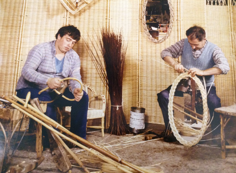 Bernard Breuillot et Patrick au travail